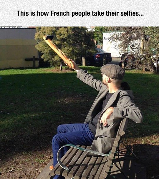 This is how french people take their selfies